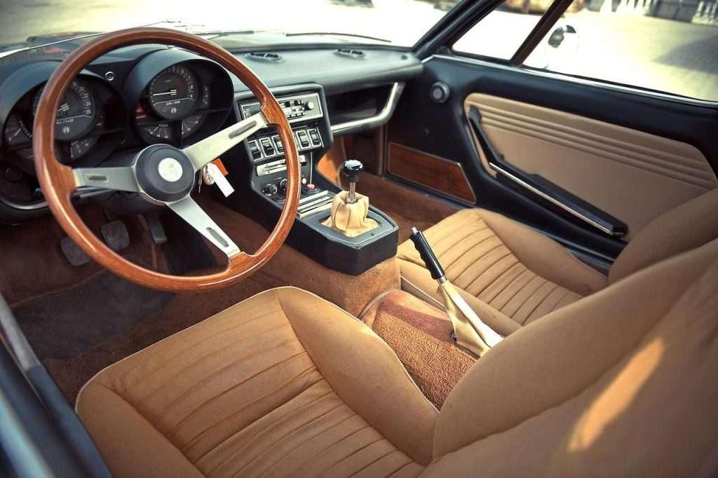 Interni dell'Alfa Romeo Montreal